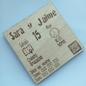 Invitación de madera iconos